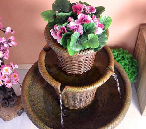 Dekorativní fontána s květináčem