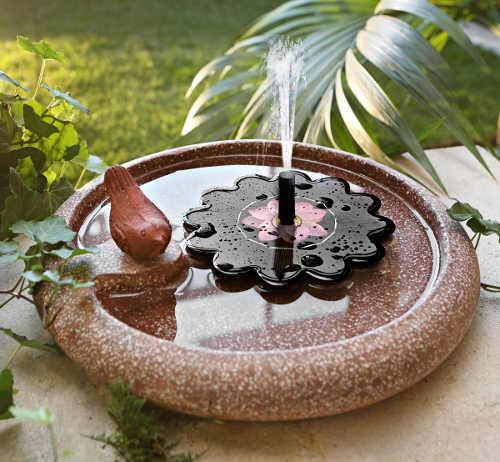 Solární fontánka do pítka pro ptáčky