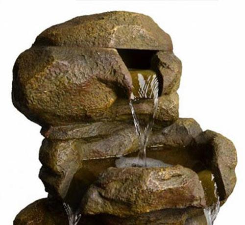 Zahradní fontána přírodní vzhled