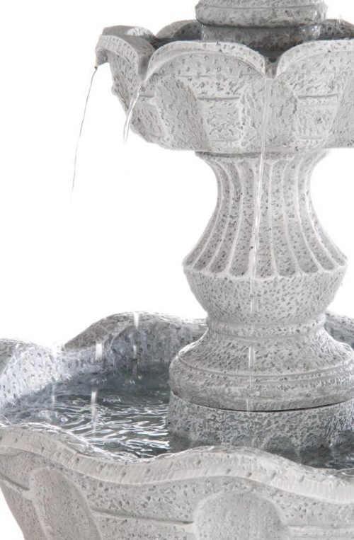 Dvoupatrová kašna na zahradu z kamene