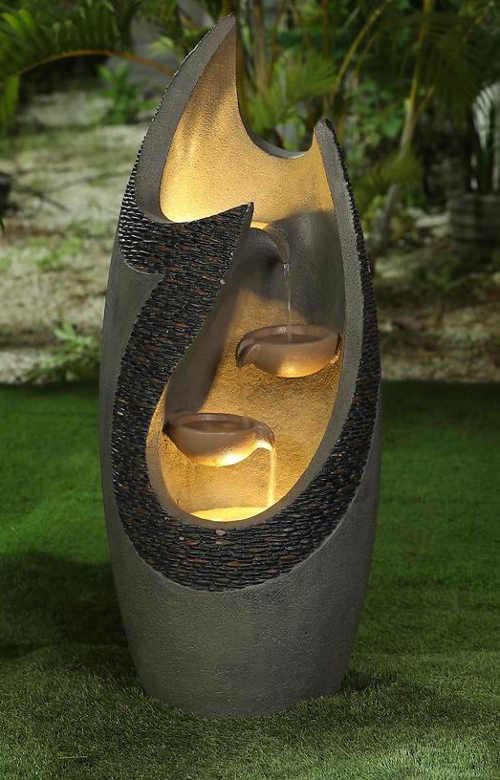 Moderní fontána s osvětlením na zahradu i do interiéru