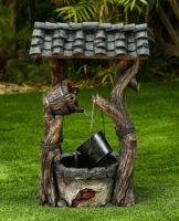Zahradní kašna studna se stříškou