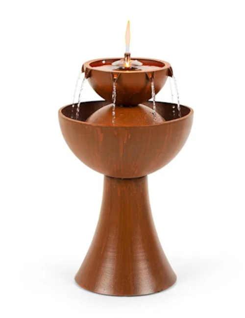 Zahradní fontána s olejovou lampou