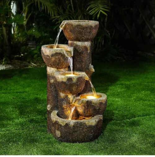 originální provedení zahradní fontány