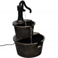 Vintage fontána ve tvaru pumpy